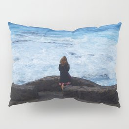 Ocean lover, meditation in front of the sea Pillow Sham