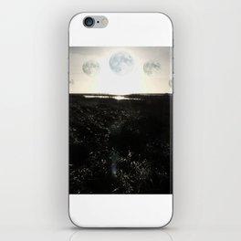 Wandering moon... iPhone Skin
