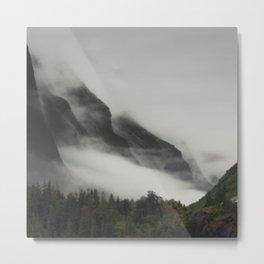 Awesome Alaskan Mountain Range Blanketed With Dramatic Fog Metal Print