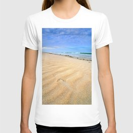 """Levante wind "" Magic Tarifa beach at sunrise T-shirt"