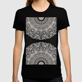 Mandala Mehndi Style G384 T-shirt