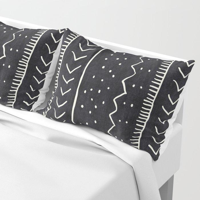 Moroccan Stripe in Black and White Kissenbezug