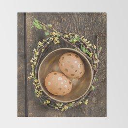 Golden eggs Throw Blanket