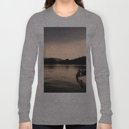 PERSPECTIVE // Sunset over West Lake, Hangzhou Long Sleeve T-shirt
