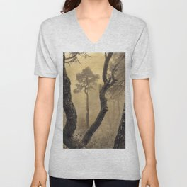 """""""Looking for the sky..."""". Painted Photograph Unisex V-Neck"""