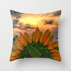 sunflower in the sunset Throw Pillow