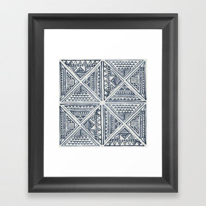 Simply Tribal Tile in Indigo Blue on Lunar Gray Gerahmter Kunstdruck