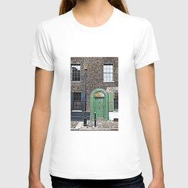 London England Architecture. Jack The Ripper Neighborhood. T-shirt