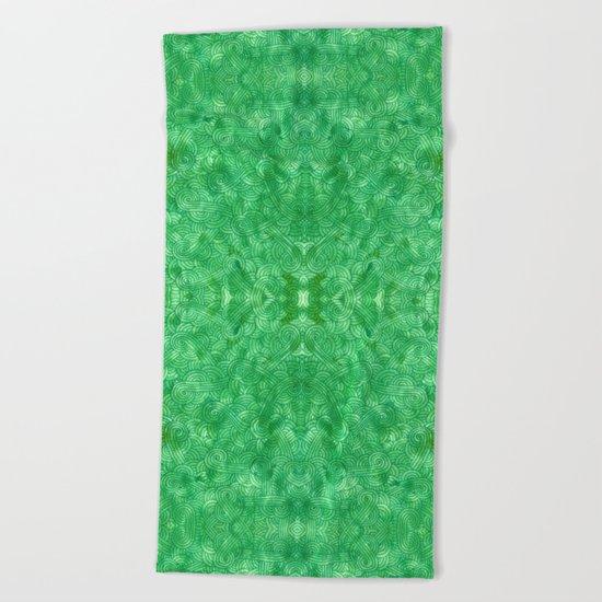 Green swirls doodles Beach Towel