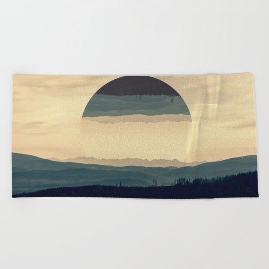 Where the eye can see Beach Towel
