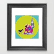 Señora y perro Framed Art Print