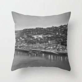 Cidade do Porto Throw Pillow