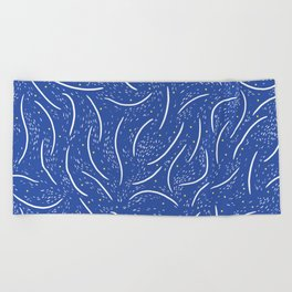 flow of thoughts Beach Towel