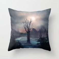When we feel love Throw Pillow