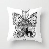 giraffes Throw Pillows featuring Giraffes. by sonigque