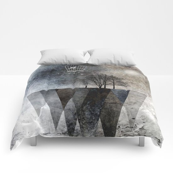 TREES over MAGIC MOUNTAINS I Comforters
