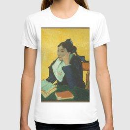 Vincent van Gogh - L'Arlésienne: Madame Joseph-Michel Ginoux (Marie Julien, 1848–1911) T-shirt