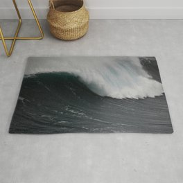 Biggest wave in the world Rug