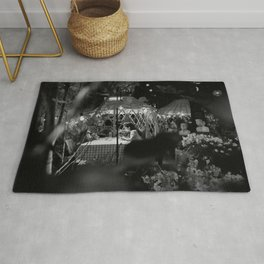 Couples on House Garden at Night Rug