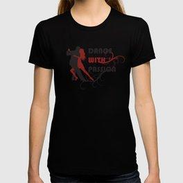 Silhouette of dancing couple. T-shirt