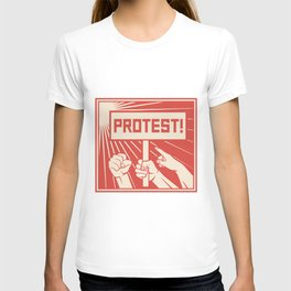 protest design - lots of furious people (man holding transparent, demonstrations) T-shirt