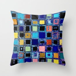 living in a box (global) 2. version Throw Pillow