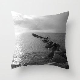 Seeblick Throw Pillow