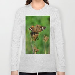 COMMON BUCKEYE BUTTERFLY IN THE FALL (Close-Up) Long Sleeve T-shirt