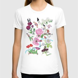 London in Bloom - Flowers and transportation that make London T-shirt