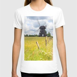 Lacey Green windmill, Princes Risborough, Buckinghamshire, England T-shirt