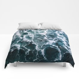 Minimalistic Veins in a Wave  - Seascape Photography Comforters