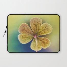Heart-shaped Clover like Oxalis Macro. St Patrick's Day Laptop Sleeve