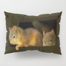 Young squirrels peering out of a nest  Pillow Sham