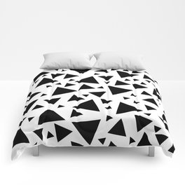 Memphis Milano style pattern with triangles, black and white triangle pattern print Comforters