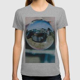 nostalgic sphere T-shirt