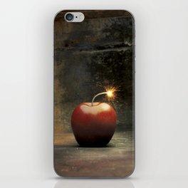 Apple bomb iPhone Skin