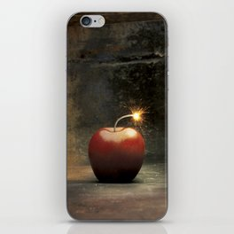 Apple bomb iPhone Skin