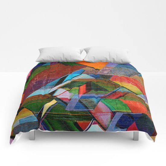 Verticalis Collapse Comforters