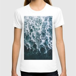 Minimalistic Veins in a Wave  - Seascape Photography T-shirt