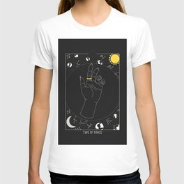 Two of Rings - Tarot Illustration T-shirt