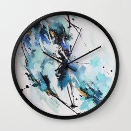 Bercée par le vent froid de l'hiver Wall Clock