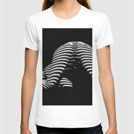 7454-KMA Striped Woman Head Down Bottom Up Black White Photo T-shirt
