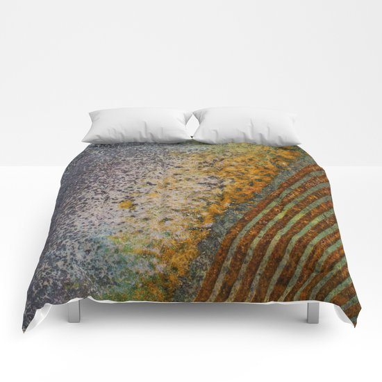 Labyrinth 1 Comforters