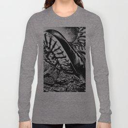 B O O T  Long Sleeve T-shirt