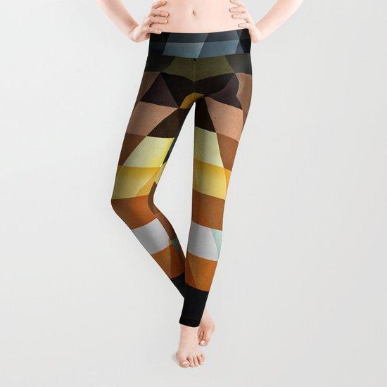 gyld^pyrymyd Leggings