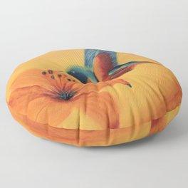 What a beauty | Qu'elle beauté Floor Pillow
