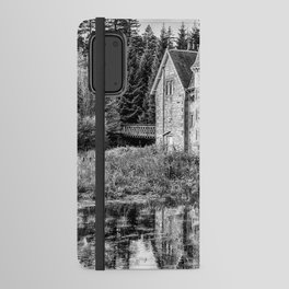 Adverikie Gatelodge black and white Android Wallet Case