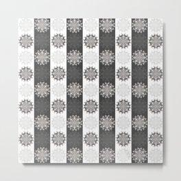 Black & White Clam Flowers Metal Print