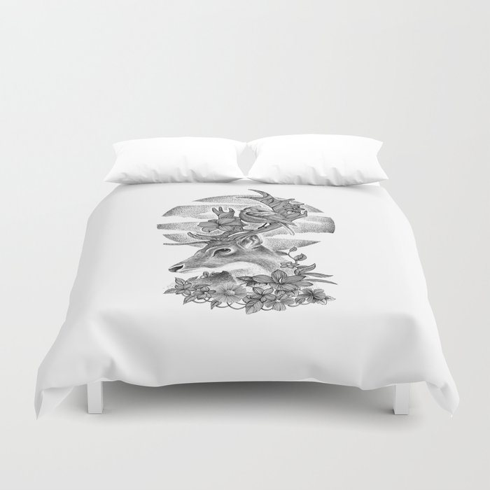 THE DEER AND THE BIRD Duvet Cover