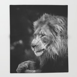 King Of The Jungle (B&W digital painting) Throw Blanket